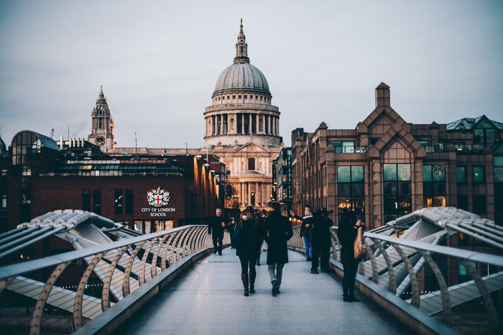 Londra, Millennium bridge, la city